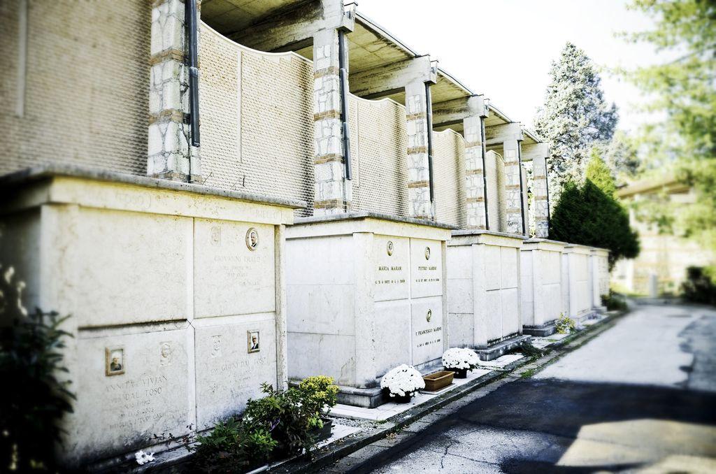 Costruzione tombe familiari – Cimitero di Vicenza