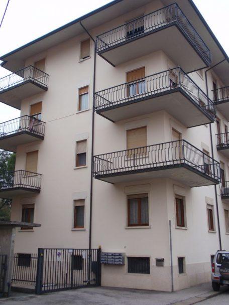 Rifacimento basamento e portali – Vicenza Ovest